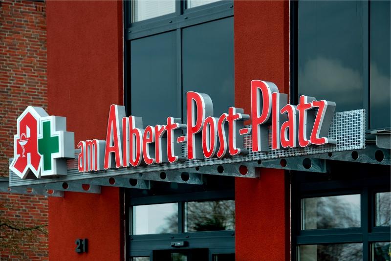 Lichtwerbung Apotheke Am Albert-Post-Platz