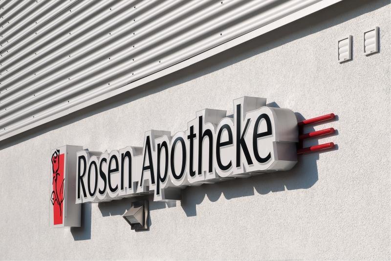 Lichtwerbung Apotheke Rosen