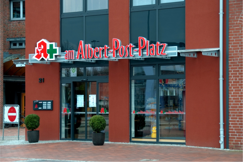 Lichtwerbung Apotheke Am Albert-Post-Platz