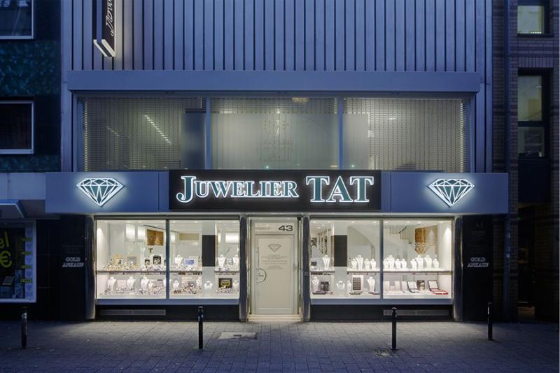 Lichtwerbung Juwelier Tat